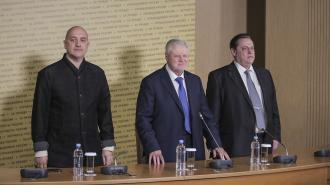Информацию об уходе Миронова с поста главы партии назвали фейковой