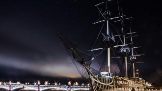 """""""Газпром"""" хочет разместить копии семи боевых парусников в акватории Невы"""