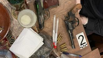 В петербургский ресторан посетители пришли с оружием