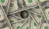 Эксперт объяснил влияние будущего роста ставки ФРС на рубль