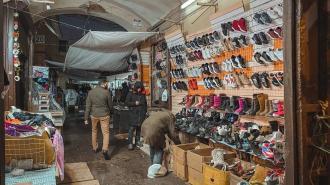 В Апраксином дворе таможенники обнаружили немаркированную продукцию на 15 млн. рублей