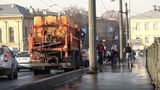 В понедельник с дорог и улиц Петербурга собрано 1845 тонн смёта и свыше 1027 кубометров мусора