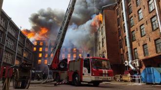 Глава МЧС выразил соболезнования семье погибшего в Петербурге пожарного