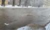 Холодная вода залила улицу Калинина: движение по ней перекрыли