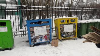 Жители Васильевского острова обратили внимание на переполненные контейнеры для раздельного сбора отходов