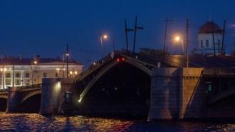 В Петербурге снова начался развод мостов