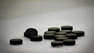 """""""Нью-Йорк Айлендерс"""" обыграли """"Бостон"""" в домашнем матче НХЛ"""
