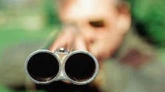 Мужчина расстрелял людей на остановке