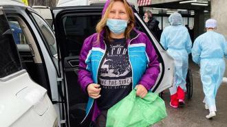 Маргарита Юдина потребовала от МВД предоставить данные о полицейском, пнувшем ее в живот