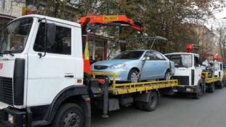В Петербурге эвакуатор угнал дорогую иномарку