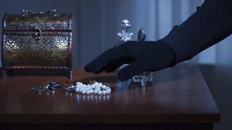 В Невском районе раскрыта кража ювелирных изделий на крупную сумму