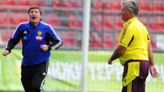 Анжи лишился голландского тренера