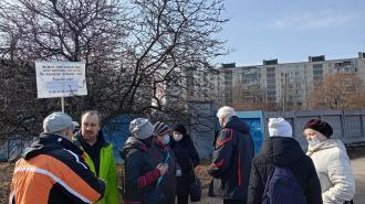 Петербуржцы выступили в защиту сквера в Купчино