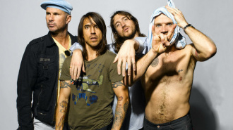 Red Hot Chili Peppers выступят перед Далай-ламой