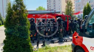 В казанской гимназии учащихся удерживает второй стрелок