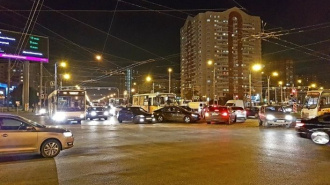 На Косыгина маршрутка столкнулась с иномаркой