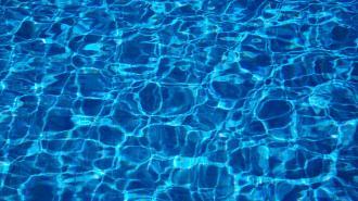 На Ямале друзья бросили в бассейн для отрезвления пьяного товарища, но тот утонул