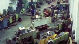 На бронетанковом заводе в Стрельне 23-летнему рабочему раздавило голову стволом от танка