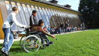 Ленинградский интернат для детей-инвалидов сделают более современным