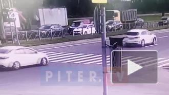 Момент ДТП на Парашютной улице попал на видео