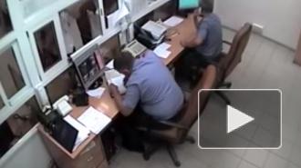 В Балаково провели проверку видео нецензурной брани в МВД: один сотрудник уволился, второй понижен в должности