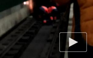 """Мужчина бросился под поезд на """"Удельной"""""""