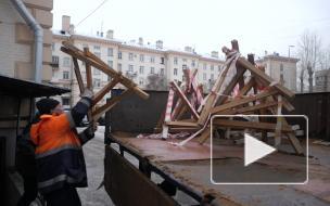 Жильцы дома на Стачек,16 полгода борются с ТСЖ за чистоту парадных и подвалов