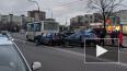 Две легковушки врезались в маршрутку в Купчино