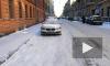 Видео: на Радищева коммунальщики сбрасывают наледь на машины