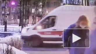 Нетрезвый петербуржец запер в квартире бригаду скорой помощи