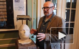 Петербургский коллекционер превратил квартиру на Петроградской стороне в музей пропаганды