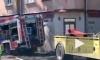 В Риге пожарная машина, спешащая на вызов, из-за ДТП влетела в жилой дом