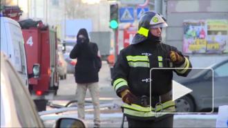 В Петербурге из горящего здания на улице Смолячкова эвакуировали 35 человек