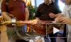 Россиянам могут запретить ввозить мясо и сыры из-за границы