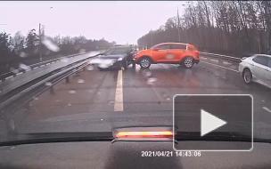 Грузовик устроил массовое ДТП на Мурманском шоссе