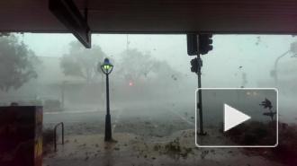 Шторм в Брисбене попал на видео, пострадавших отвезли в больницы