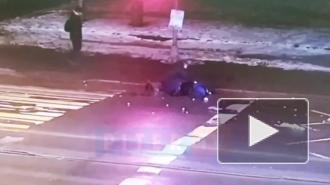 Появилось видео смертельного наезда Lexus на пенсионера в Петербурге