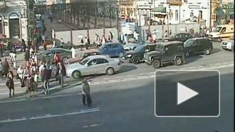 Лихой кабриолет. ДТП на Невском