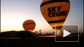 Воздушный шар с туристами рухнул в Египте, десятки погибших