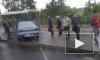 На Петергофском шоссе иномарка влетела в остановку