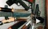 В одном из частных гаражей в Купчино нашли небольшой склад оружия
