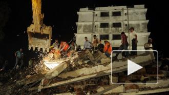 В Индии обрушился жилой дом. Под завалами 50 человек