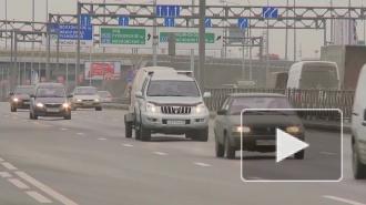 На Митрофаньевском шоссе столкнулись машины, возникла пробка, водители объезжали участок по тротуару