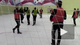 Видео: Павел Мамаев сыграл в Сизо в футбольный матч