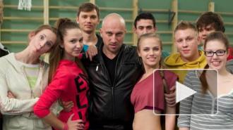 Физрук на ТНТ, новые серии: Нагиев толкает Сашу в постель к Антону, а в любовном четырехугольнике Фомы возник пятый человек