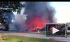 В США вертолет рухнул на жилой район, два человека погибли