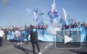 Фанаты «Зенита» раскачали Дворцовый мост