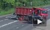 Смертельные кадры из Ярославля: Легковушка протаранила грузовик на перекрестке, водитель погиб