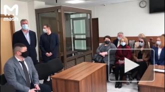 Суд в Москве дал условный срок двум пожарным по делу о гибели их коллег при тушении склада