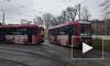 Трамваи и троллейбусы в Петербурге начали украшать ко Дню Победы